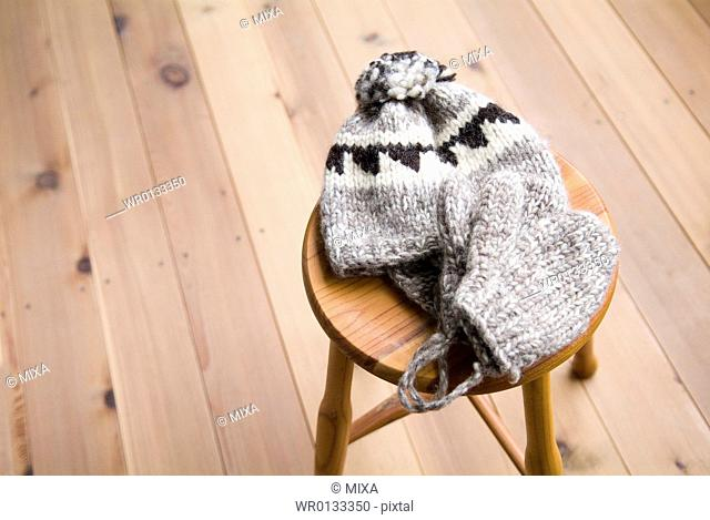 Knit hat and gloves