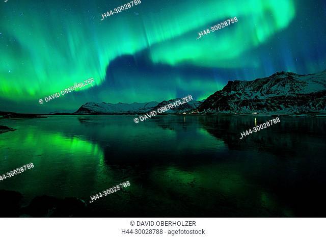 Aurora Borealis, mountains, Europe, sky appearance, Island, sceneries, light appearance, night, north light, polar light, lake, reflexion, volcano island, water