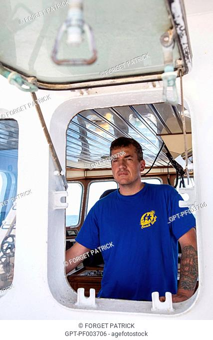 THIERRY EVAIN, HEAD THE QUENTIN-GREGOIRE, AT THE HELM, SEA FISHING ON A SHRIMP TRAWLER OFF THE COAST OF SABLES-D'OLONNE, (85) VENDEE, LOIRE REGION, FRANCE