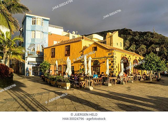 Taberna El Pueto, fish restaurants in Puerto de Tazacorte, sunset,La Palma, Canary Islands, Spain
