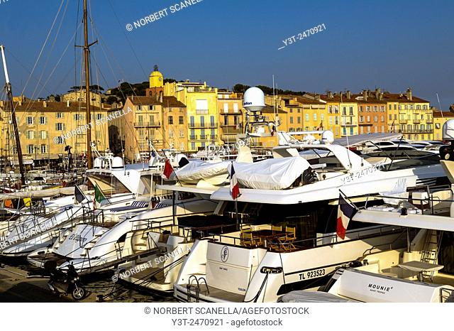 Europe. France. Var. Saint-Tropez. Yacht moored in the port of St. Tropez