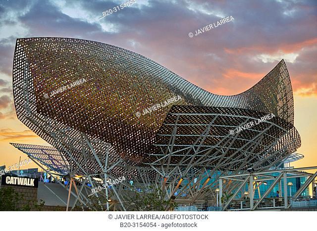 Frank O. Gehry's Golden Fish Sculpture, Port Olimpic, Barcelona, Catalunya, Spain, Europe