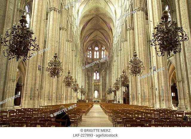 Saint Stephen's Cathedral in Bourges, Bourges Cathedral, Nave, The Way of St. James, Chemins de Saint Jacques, Via Lemovicensis, Bourges, Dept