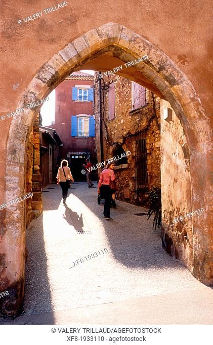 The village of Roussillon, Vaucluse, Luberon, Provence-Alpes-Côte d'Azur, France