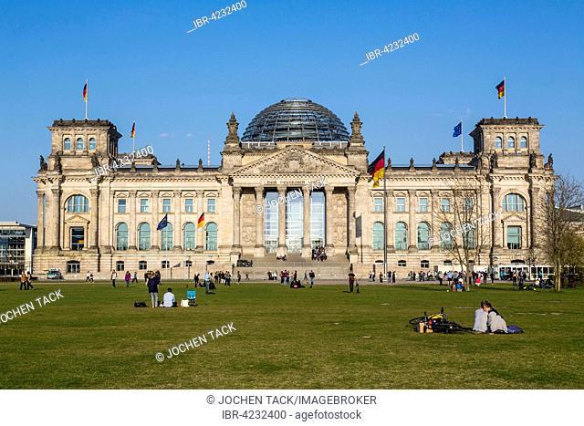 Reichstag with flags, Regierungsviertel, Square of the Republic or Platz der Republik, Berlin, Germany