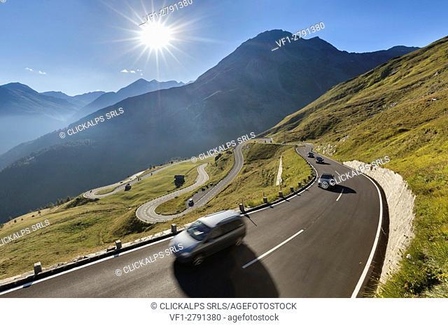 Europe, Austria, Carinthia, High Tauern. Cars along the Grossglockner High Alpine Road in the summer
