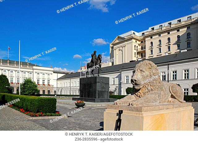Statue of lion in front of Presidential Palace Warsaw, Poland