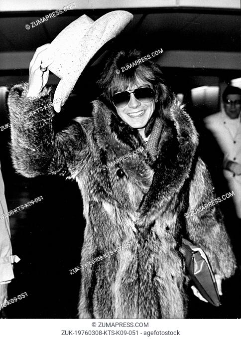 March 8, 197 - London, England, U.K. - Singer, actor DAVID CASSIDY flew into London Heathrow Airport to do a TV special. PICTURED: David Cassidy arrives in a...