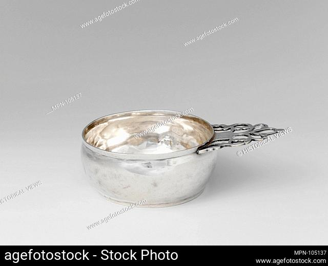 Porringer. Maker: Nicholas Geffroy (1761-1839); Date: ca. 1800; Geography: Made in Newport, Rhode Island, United States; Culture: American; Medium: Silver;...