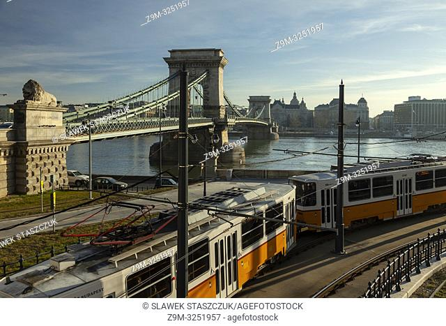 Morning at the Chain Bridge across Danube river in Budapest, Hungary