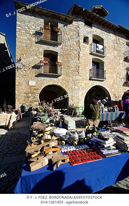 Aínsa-Sobrarbe is a municipality located in the province of Huesca, Aragon, Spain  Every year, the first february sunday, since 11th century