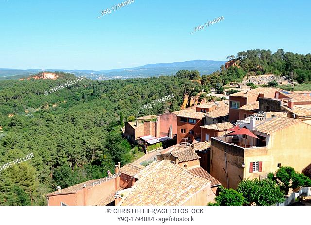 Roussillon Village and Luberon Hills Vaucluse Provence France