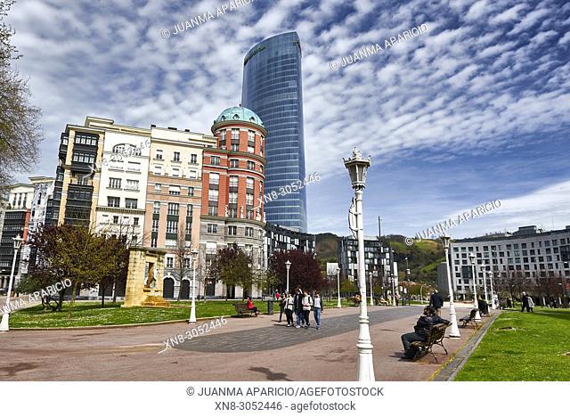 Plaza del Museo de Bellas Artes, Bilbao, Biscay, Basque Country, Euskadi, Euskal Herria, Spain, Europe