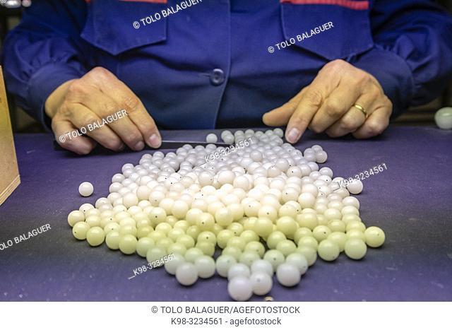 seleccion de las opalinas, fabrica de Perlas Orquidea, Montuiri, Mallorca, Balearic islands, spain