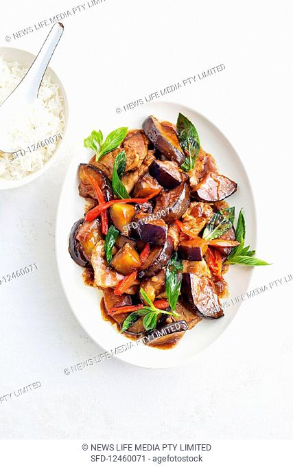 Thai stir-fried pork with eggplant