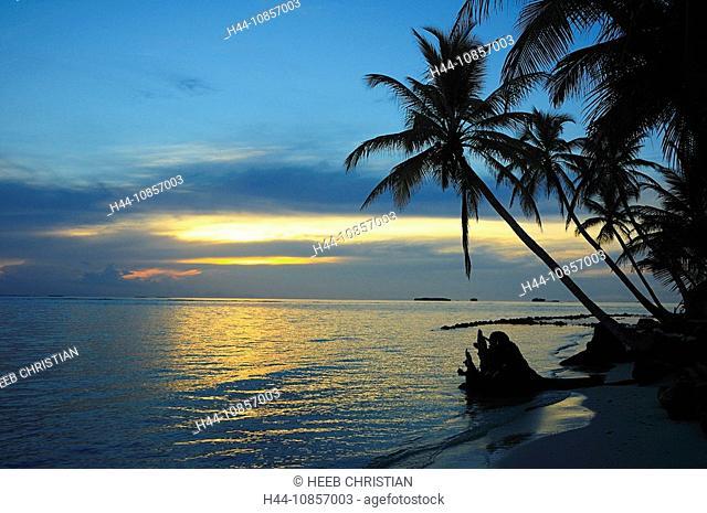 10857003, Panama, Sunrise, at Isla Kuanidup, Islan