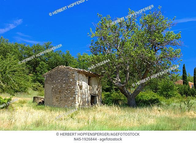 Stone Hut; Luberon; Scenery; Provence; France