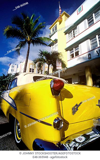 Automobile, Ocean Drive, Miami Beach. Florida, USA