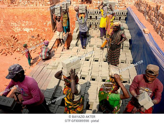 SOURCE OF POLLUTION alive : Brick kilns vitiate the environment of a vast area o