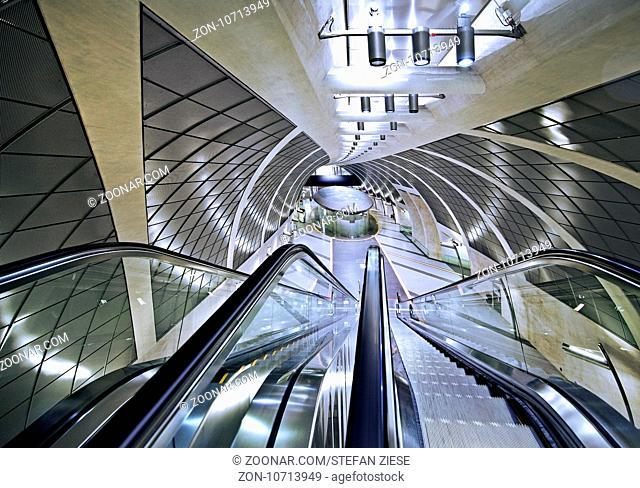 U-Bahnstation Heumarkt, Koeln, Rheinland, Nordrhein-Westfalen, Deutschland, Europa