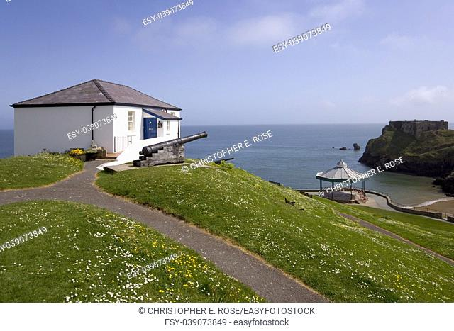 UK, Wales, Pembrokeshire, Tenby, view from Castle Hill, The Old Coastguards House in spring sunshine