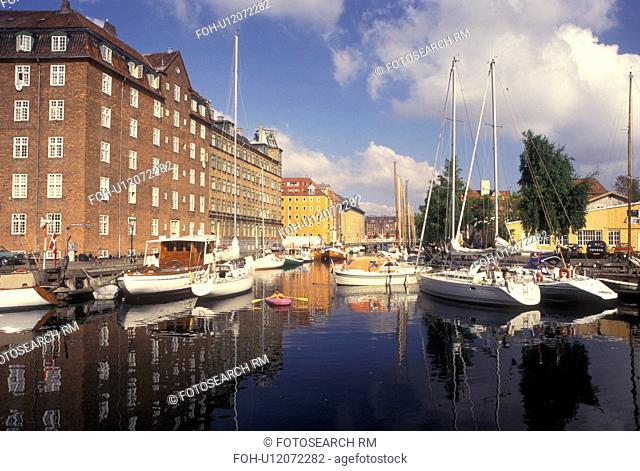 Copenhagen, Denmark, Scandinavia, Sjaelland, Europe, Boats along the canal in the scenic city of Copenhagen
