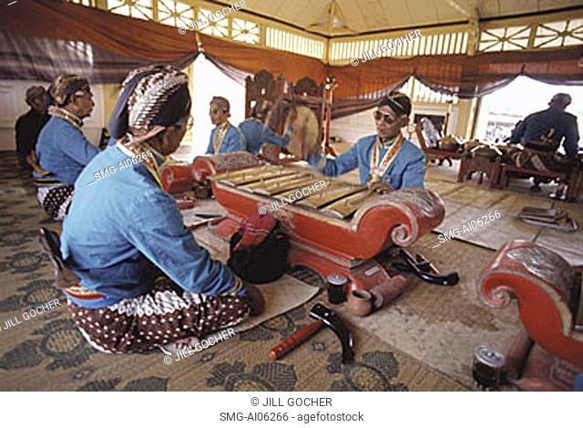 Indonesia, Yogyakarta, Sekaten Festival, Gamelan players at Sultan's mosque (Mesjid Agung)