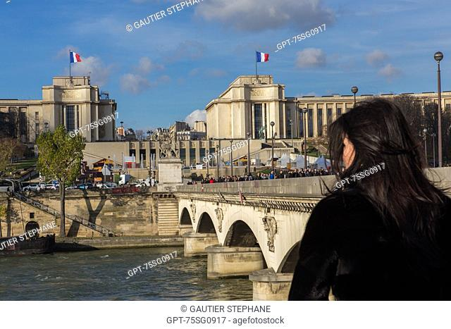 THE PONT D'IENA BRIDGE, THE TROCADERO GARDEN AND THE PALAIS DE CHAILLOT IN THE BACKGROUND, 16TH ARRONDISSEMENT, PARIS (75), ILE-DE-FRANCE, FRANCE