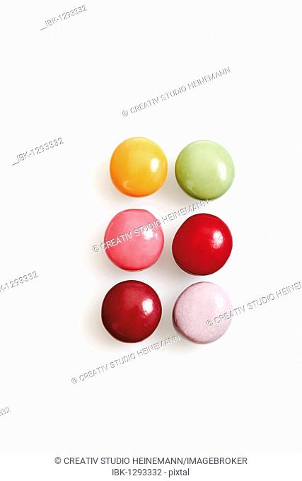 Colorful chewing gum