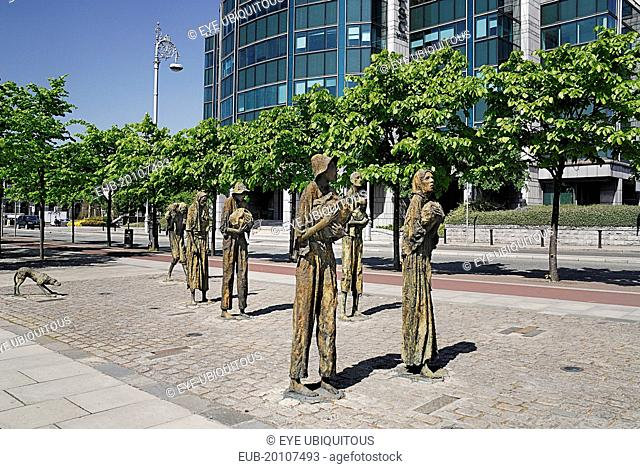 The famine memorial presented to the city in 1997