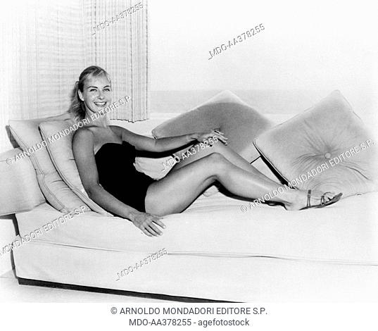 Joanna woodward bikini pics stundent naked