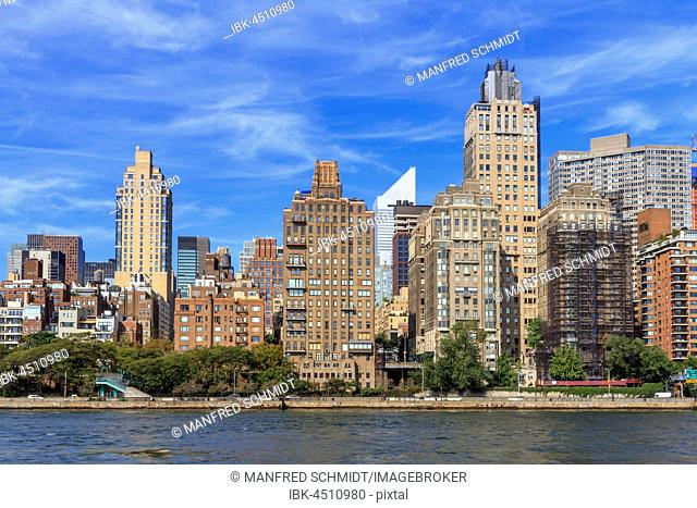 Residential buildings, high-rise buildings on the East River, Manhattan, New York City, New York, USA