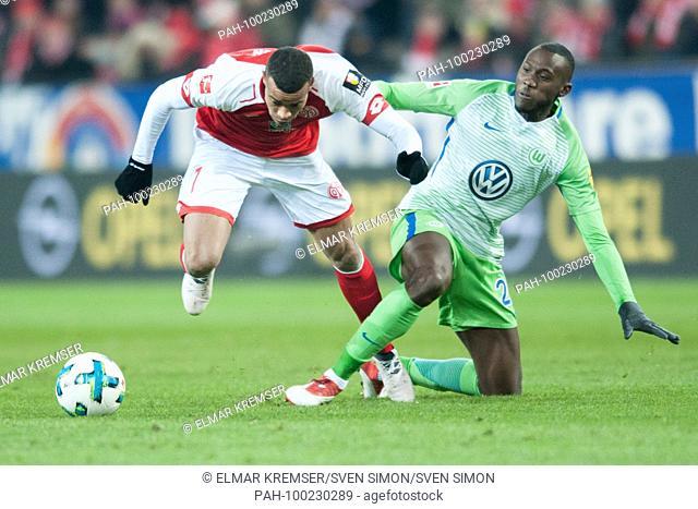 Robin QUAISON (li., MZ) versus Josuha GUILAVOGUI (WOB), Aktion, duels, .Fussball 1. Bundesliga, 24. matchday, FSV FSV FSV Mainz 05 (MZ) - VfL Wolfsburg (WOB)...