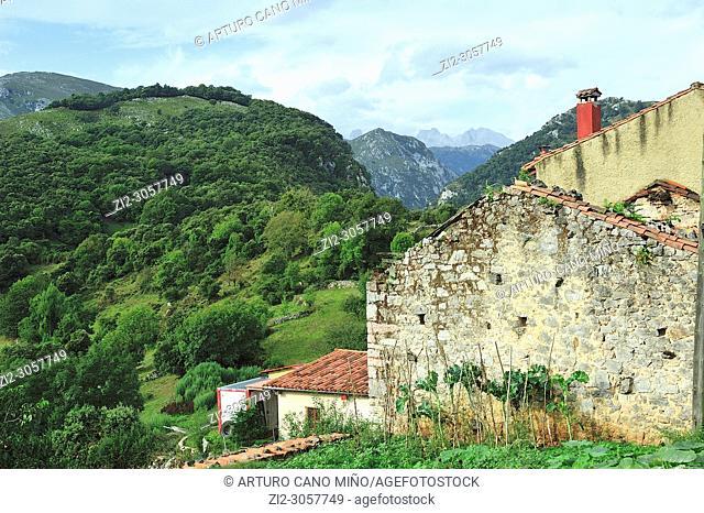 Alles town, Concejo de Peñamellera Alta . Asturias. Spain