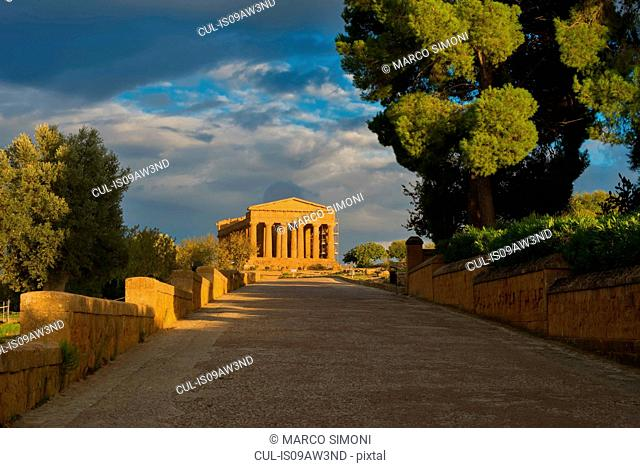Walkway and Temple of Concordia, Valley of the Temples, Agrigento, Sicily, Italy