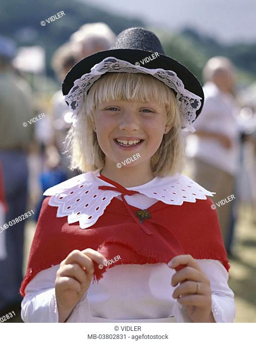 Great Britain, Wales, Cardiff,  Girls, clothing, folklore,  Tradition, portrait,  Europe, island, South Glamorgan, people, child, blond, cheerfully, laughing