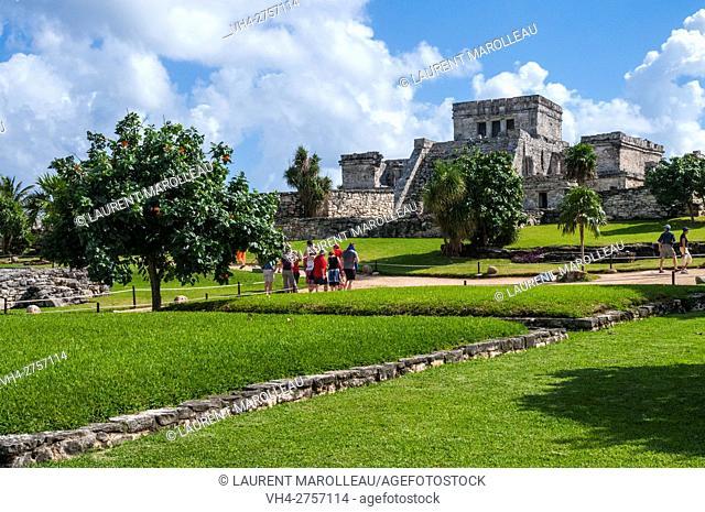 Pyramid El Castillo (The Castle), Mayan ruins of Tulum, State of Quintana Roo, Yucatan Peninsula, Mexico, North America