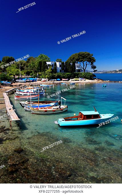 The little fishing harbor of Olivette in the Cap d'Antibes, Alpes-Maritimes, Provence-Alpes-Côte d'Azur, France