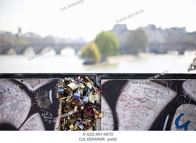 Love Locks, Pont Neuf, Pont des Arts, Paris, France