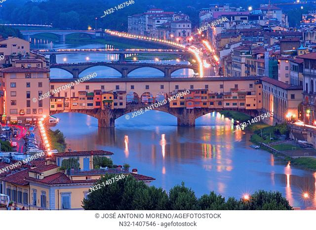 Ponte Vecchio over Arno river at dusk, Florence, Tuscany, Italy