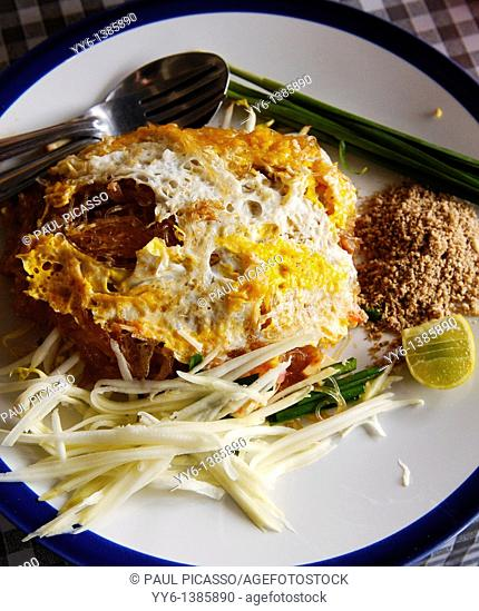 Vermicelli noodle, mung bean noodles with fried egg , thai street food, bangkok, thailand