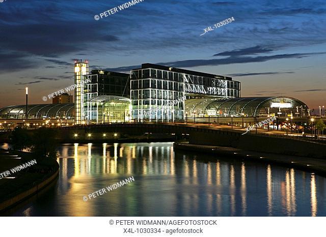 Germany, Berlin, Main Station, Lehrter Station