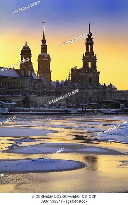 Dresden, Frozen River Elbe with residence castle und Hofkirche, Dresden, Saxony, Germany, Europe