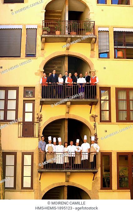 France, Rhone, Lyon, historical site listed as World Heritage by UNESCO, Cordeliers district, Merciere street, Le Bistrot de Lyon, the team
