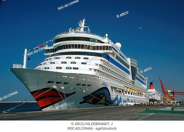 Cruise Ship AIDA diva, harbour Port Rashid, Dubai, United Arab Emirates