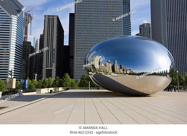 Cloud Gate sculpture by Anish Kapoor, Millennium Park, Chicago, Illinois, United States of America, North America