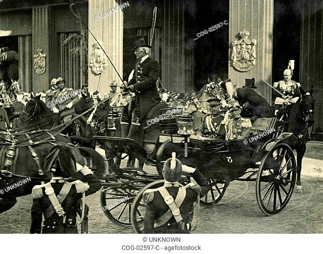 Arrival in Rome the King of Belgium on the occasion of the marriage of Maria Jose with the Crown Prince Umberto II of Savoy, Italy