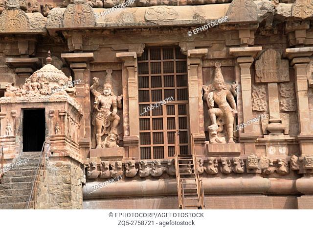Dwarapalas, southern wall, Brihadisvara Temple, Tanjore, Tamil Nadu, India