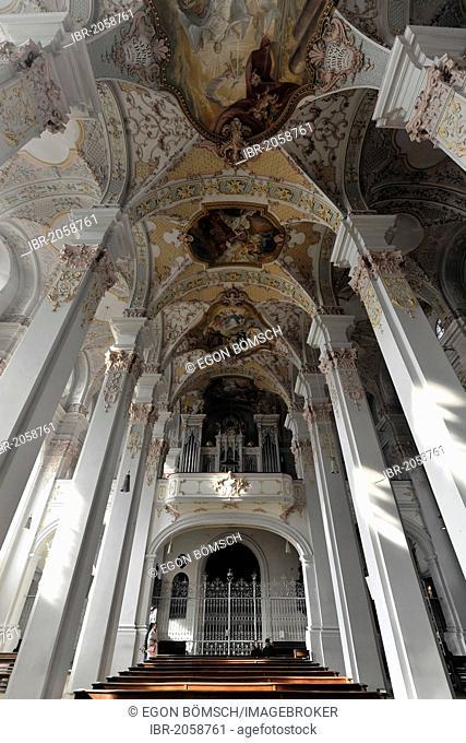 Organ and ceiling frescoes, Heilig-Geist-Kirche, Holy Spirit Church, Viktualienmarkt, Munich, Bavaria, Germany, Europe