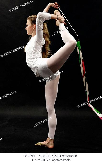 Rhythmic gymnastics: ribbon